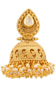 Traditional gold-plated earring