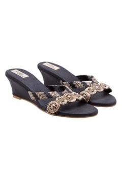 Stoffa Black embellished wedges