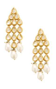 Kunda drop earring with pearls