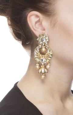 Kundan drop earrings with pearls