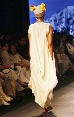 White asymmetric tunic with corded sleeves