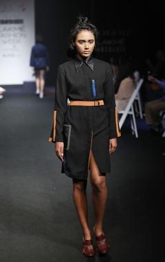 Black straight fit shirt dress