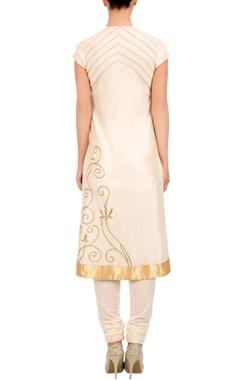 Ivory embroidered kurta set