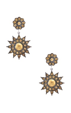 Sangeeta Boochra Antique gold plated floral pattern drop earrings