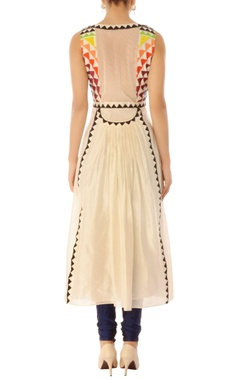 off-white chanderi embroidered kurta
