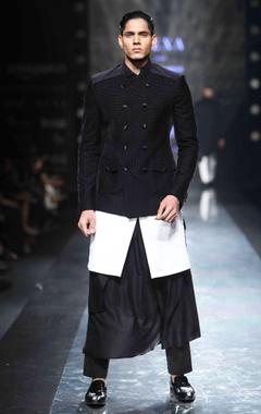 Black viscose drape