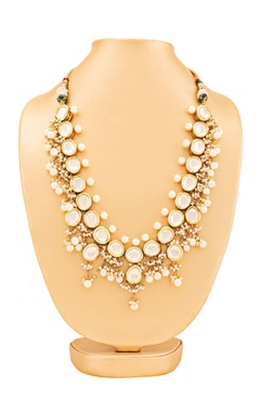 Gold plated necklace with pearl and kundan