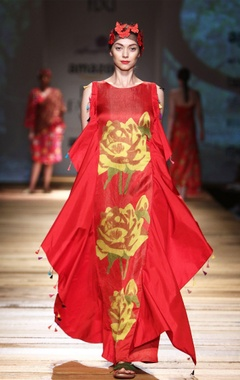 Red rose print gown