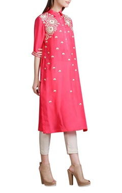 Coral pink floral embroidered kurta