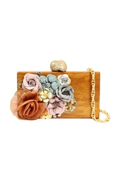 Wooden clutch with flowers