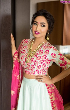 Mint & fuchsia embroidered lehenga set