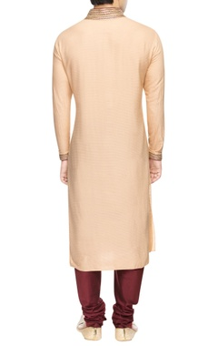 Beige kurta set with detailed collar
