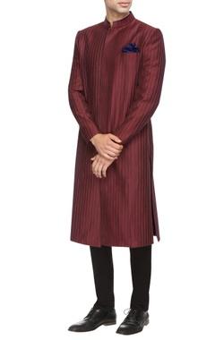 maroon pin tucked sherwani