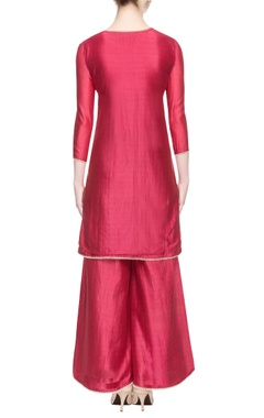 light maroon kurta set with printed dupatta