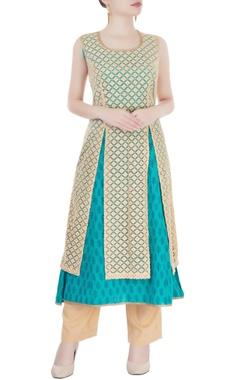 Beige & blue embroidered kurta set