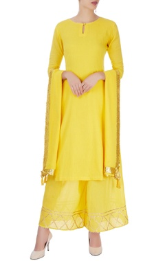 Yellow palazzo set with line patterns