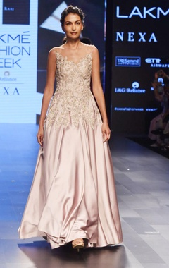 Sonaakshi Raaj Light mauve embellished gown