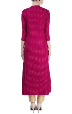 Magenta dotted kurta with front slit