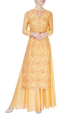 peach kurta set with dori embroidery