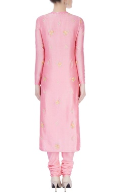 pink kurta set with emboridery