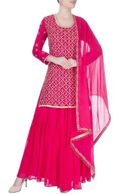 fuchsia pink kurta set with hand embroidery