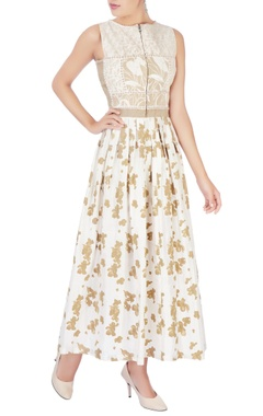 Beige quilted dress with beadwork