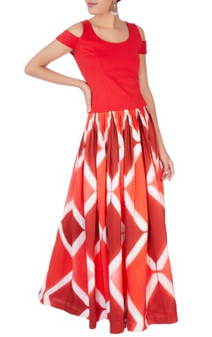 Red crop top & pleated skirt