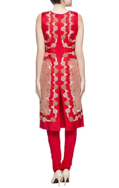 Red kurta in applique embroidery set