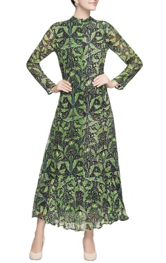 Green leaf motif maxi dress