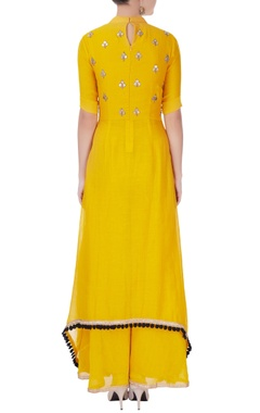 Mustard kurta set in sequin embellishments