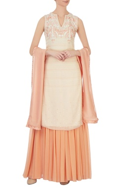 Cream resham embroidered kurta set