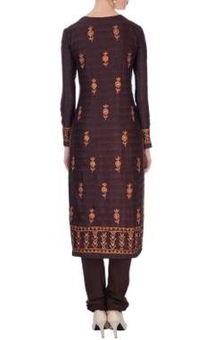 Brown kurta in orange thread embroidery kurta set