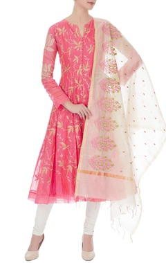 pink chanderi embroidered kurta with beige embroidered dupatta