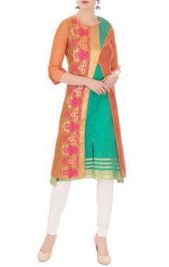 Jajobaa Orange cross-over kurta with inner green sleeveless kurta