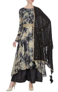 Beige & grey raw silk & mullmull silk tie dye asymmetric kurta with pants & dupatta