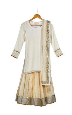 Vikram Phadnis - Kids Beige & gold round neck kurta with gold chanderi lehenga & dupatta