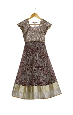 Beige & wine lehenga with sequence borders with blouse & dupatta
