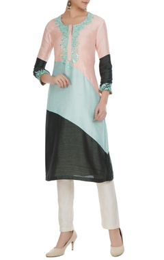 Multicolored embroidered double slit kurta
