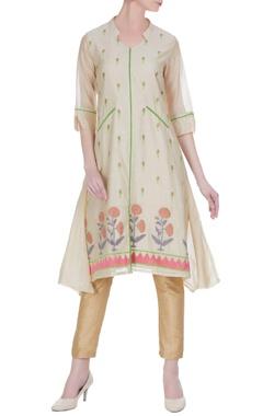 Jajobaa Chanderi floral thread embroidered kurta