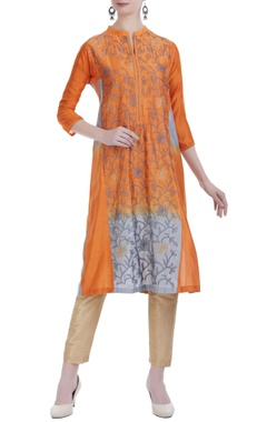 Jajobaa Kantha embroidered silk kurta.