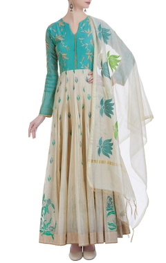 Long kali kurta with resham embroidery