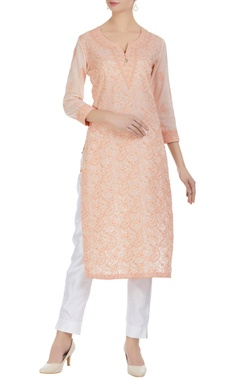 Chikankari embroidered cotton kurta