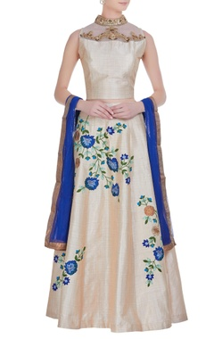 Floral print lehenga with embroidered blouse & dupatta.