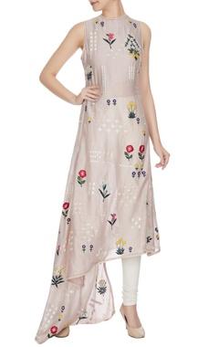 Sahil Kochhar Champagne rose embroidered sleeveless chanderi kurta