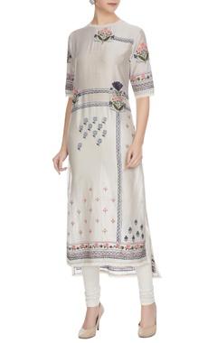 Sahil Kochhar Glacier grey floral embroidered chanderi kurta