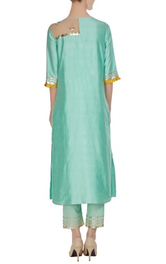 Cutwork embroidered & foil printed kurta with pants