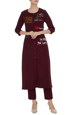 Statement slogan embroidered kurta set