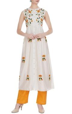 Rimzim Dadu 3D floral embroidered sleeveless kurta with pants