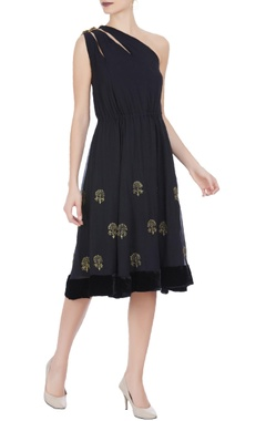 Urvashi Joneja Black one-shoulder dress with velvet borders
