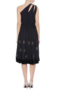 Black one-shoulder dress with velvet borders